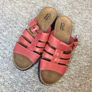 Clark's Strappy Buckle Slip-on Sandal